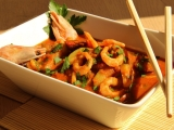 Pikantní krevety a cukety v curry recept