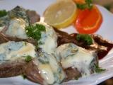Vařené hovězí s modrým sýrem a cumberlandskou omáčkou recept ...