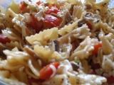 Těstovinový salát Vltavín recept