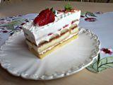 Piškotové řezy tvarohovo-jahodové se šlehačkou recept ...