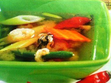 Ostrá polévka s mořským ovocem