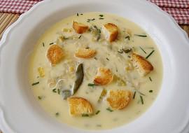 Cuketová polévka s pórkem a sýrem recept