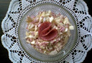 Vajíčkový salát se salámem