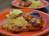 Medová kuřecí stehýnka na zelí recept