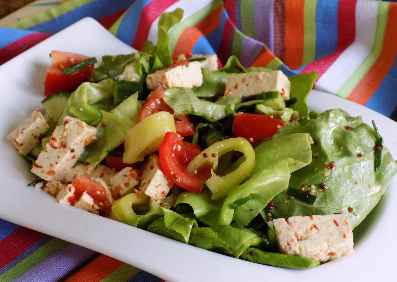 Zeleninový salát s tofu chilli recept