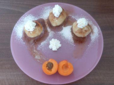 Maminčiny tvarohové knedlíky s meruňkama
