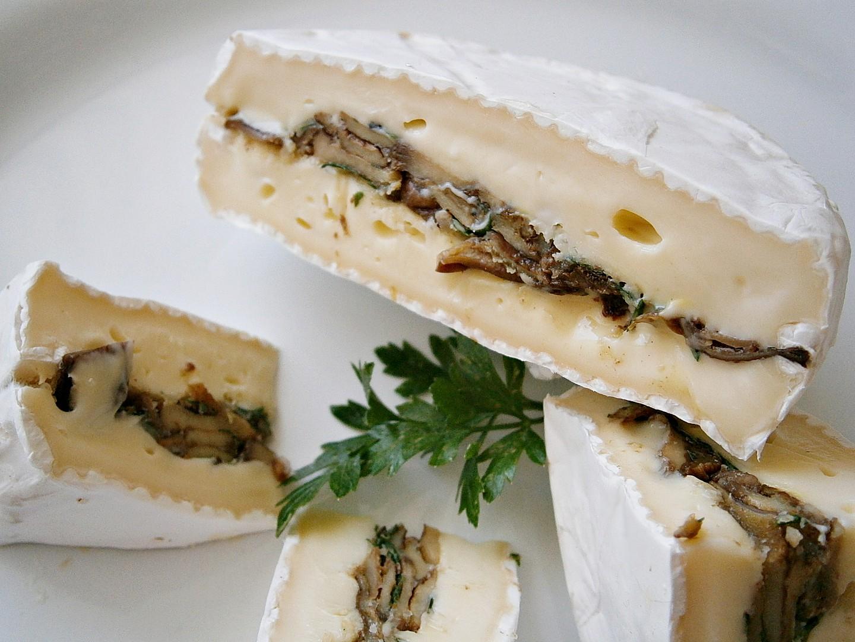 Klouzci s oříšky schovaní v sýru recept