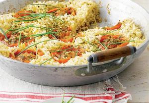 Rýže natural pečená v pánvi s rajčaty