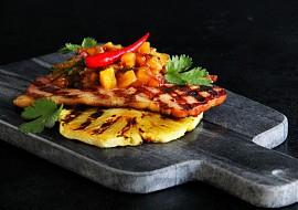 Grilovaná šunka s pikantní ananasovou salsou recept