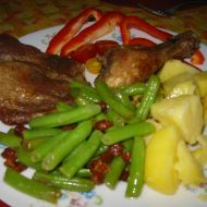 Western maso s bramborem a fazolkami se slaninou recept