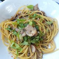 Houbové špagety se sýrem cottage recept