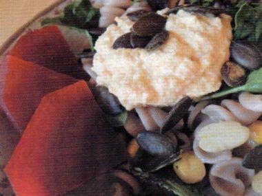 Těstovinový salát s tofu dresinkem