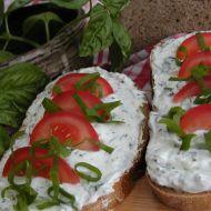 Chleba s bazalkovým tvarohem recept