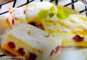 Krupicovo-tvarohový koláč s ovocem