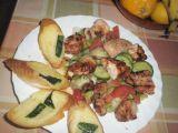 Zeleninový salát s kuřecím masem a zakysanou smetanou recept ...