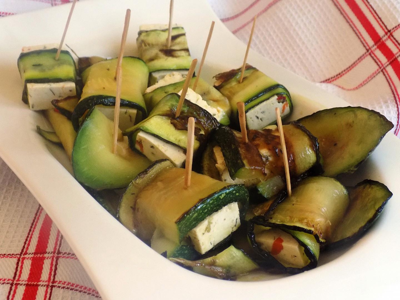 Cuketové závitky s tofu chilli recept