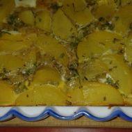 Zapečené brambory s cibulkou a sýrem recept