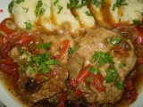 Vepřové plátky na saturejce, zelenině a houbách recept ...