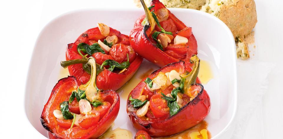 Pečené plněné papriky s domácím chlebem