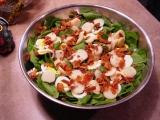 Špenátový salát se slaninou recept
