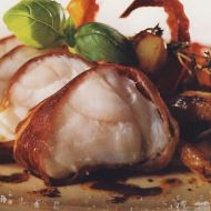 Mořský ďas s parmskou šunkou a dušenou paprikou recept