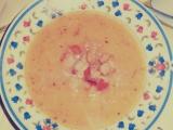 Hrachová polévka ze žlutého hráchu s chlebovými kostičkami recept ...