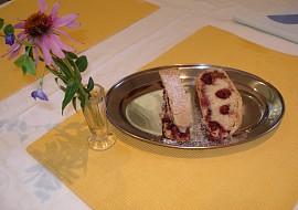 Závin s třešňovo-krémovou náplní  maďarský recept