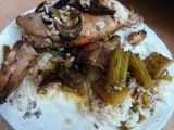 Králičí stehýnka na hříbkách s řapíkatým celerem a pršutem recept ...