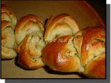 Rolované bagetky s bylinkovým máslem recept