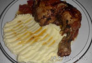 Pikantní pečené kuře na rajčatech