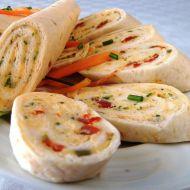 Tortillové chuťovky se sýrovo-vajíčkovou náplní recept