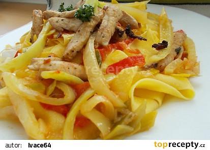 Pappardelle s krůtím masem a barevnými paprikami recept ...