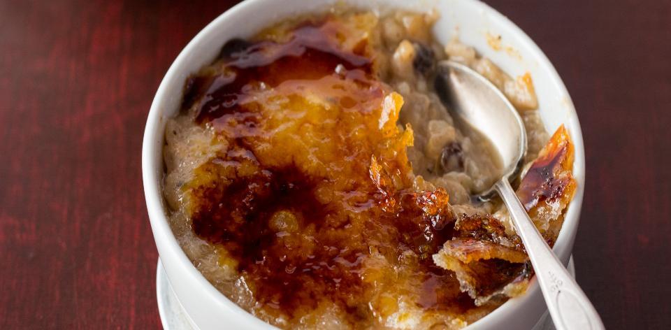 Karamelizovaný rýžový pudink v mikrovlnce