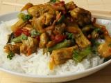 Kuřecí maso na kari s rýží, zeleninou recept