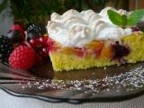Letní ovocný koláč se sněhovou mřížkou recept