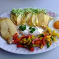 Kotleta se sýrem, zeleninou a vejcem recept