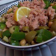Tuňákový salát s arašídy recept