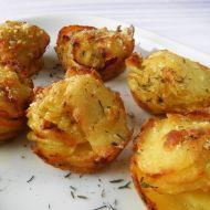 Zapečené bramborovo-česnekové košíčky se sýrem recept