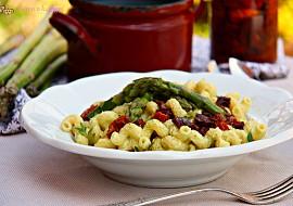 Těstoviny s chřestovou omáčkou recept