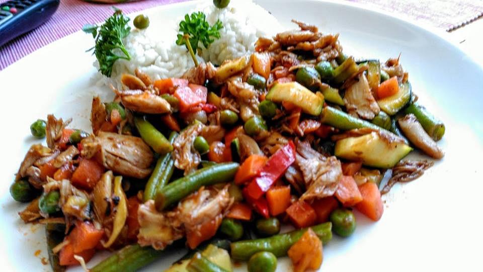 Zeleninová směs s kuřecím masem recept