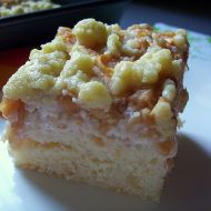 Tvarohovo-jablečný koláč s drobenkou recept