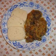 Hovězí v mrkvi a kapustě recept