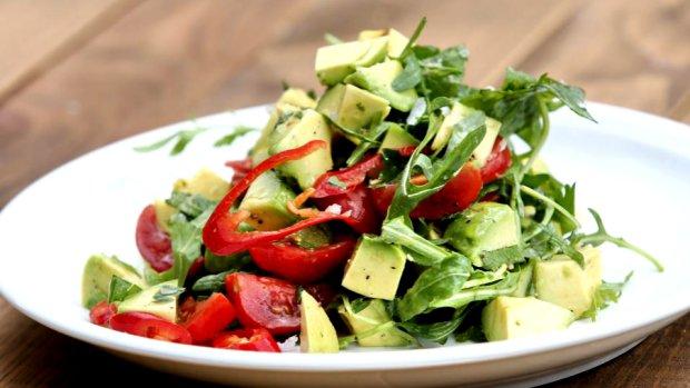 VIDEO: Salát z avokáda, rukoly a limety