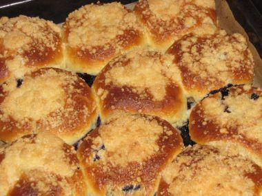 Borůvkové koláčky s drobenkou