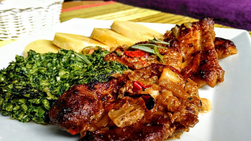 Pečená krkovice s bůčkem a cibulí recept