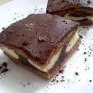 Kakaové řezy s tvarohovými kopečky recept