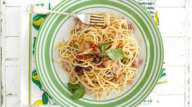 Špagety s citronem a tuňákem