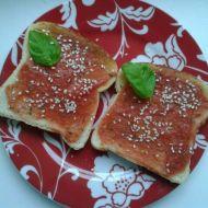 Vegetariánské tousty s rajčatovo-bazalkovou nátěrkou recept ...
