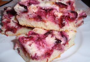 Jednoduchý švestkový koláč
