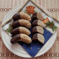 Ořechové rohlíčky plněné máslovým krémem recept
